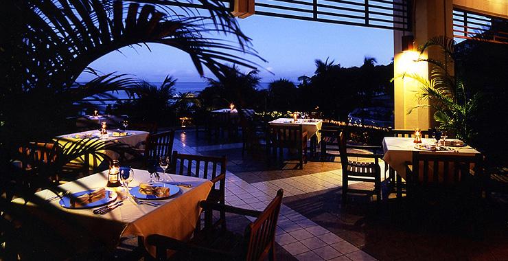http://www.terrace.co.jp/en/busena/archives/img/restaurant_bar/pic/fanuan_02.jpg