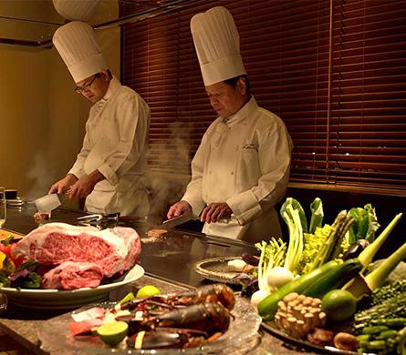鉄板焼レストラン「龍潭」